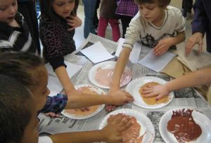 Making hand prints to match skin color